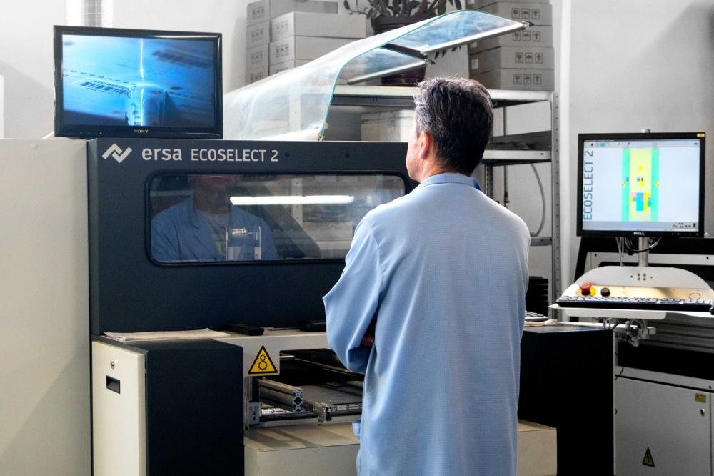 uslugi-OEM-systemy-solarne-instalacje-grzewcze-pompy-ciepla-grupy-pompowe-Silva-EMS-service-produkcja-urzadzen-elektronicznych-lutowanie